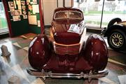 Automobile Museum Features Auburns, Cords, Duesenbergs and more (USA) - foto 48 van 279