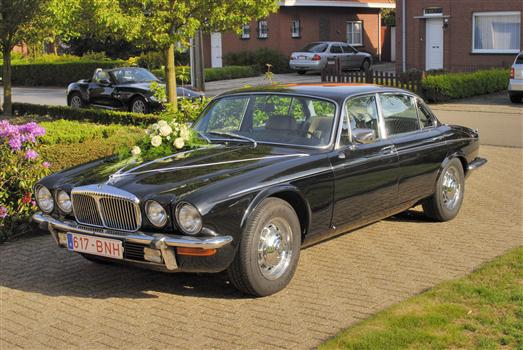 oldtimer te huur jaguar daimler xj 5 3 double six vanden plas. Black Bedroom Furniture Sets. Home Design Ideas
